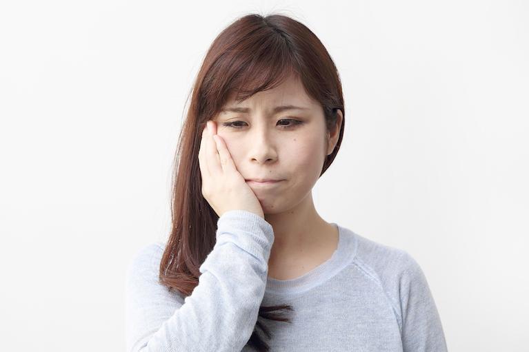歯周病治療:無症状で進行する歯周病の予防と治療